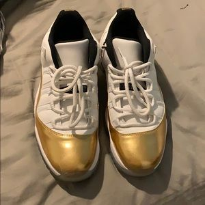 JORDAN 11 RETRO GOLD LOWS W BOX
